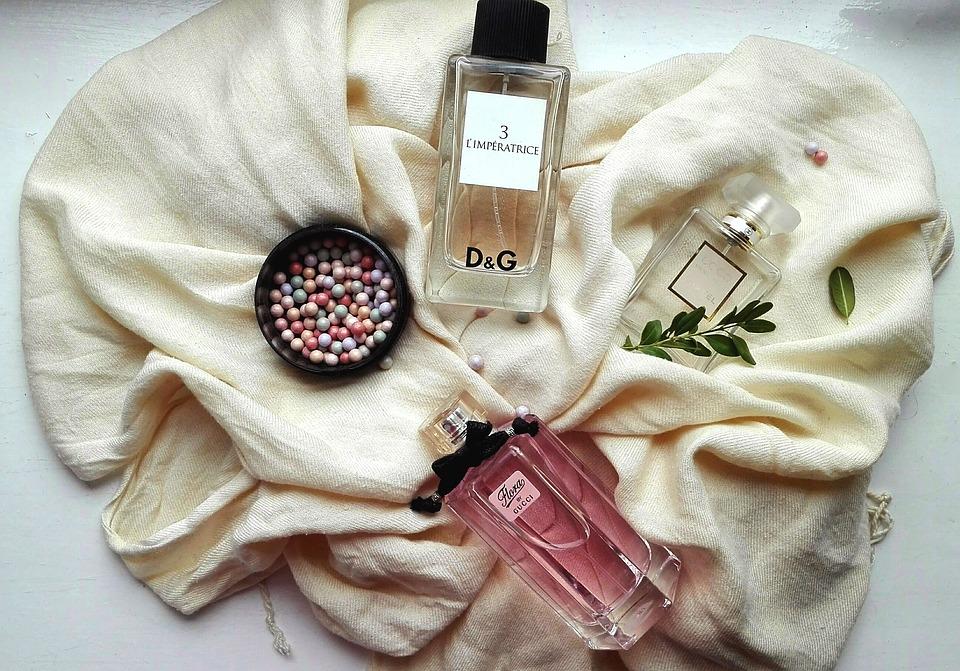 10 عطر و ادکلن برند لالیک  LALIQUE