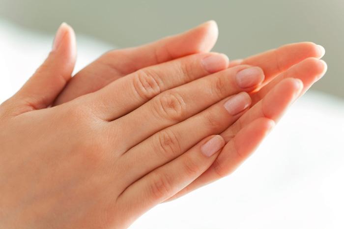 چند روش خانگی برای جوانسازی پوست دست