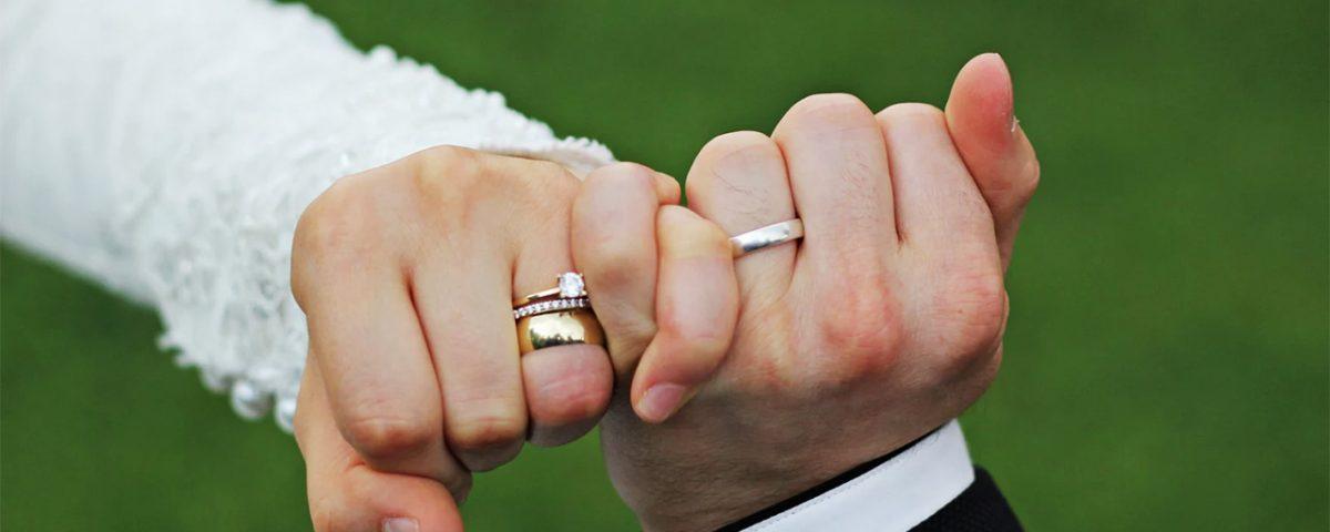 حلقه های ازدواج با نگین برلیان برای عروس خانمهای مشکل پسند