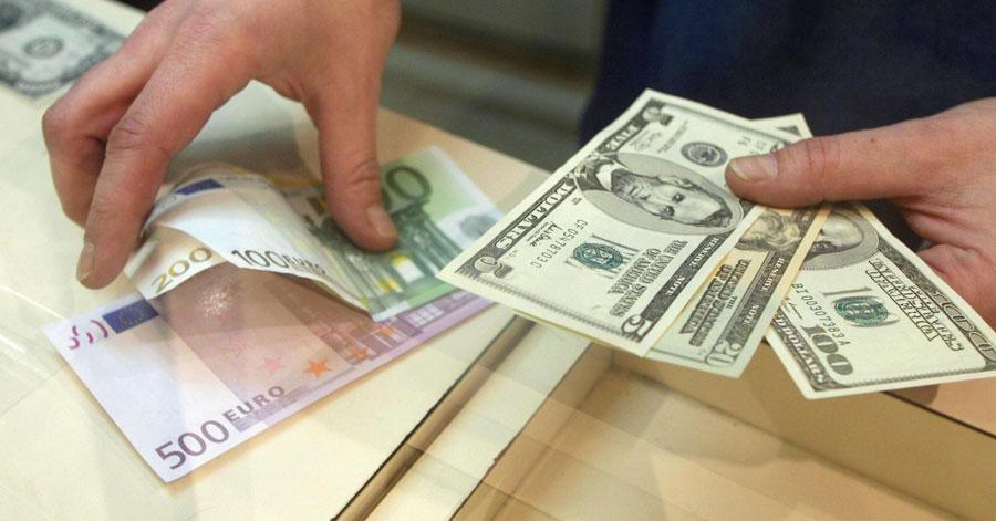 ارزش پول ایران طی یکسال گذشته نسبت به دلار چقدر تغییر کرده است؟