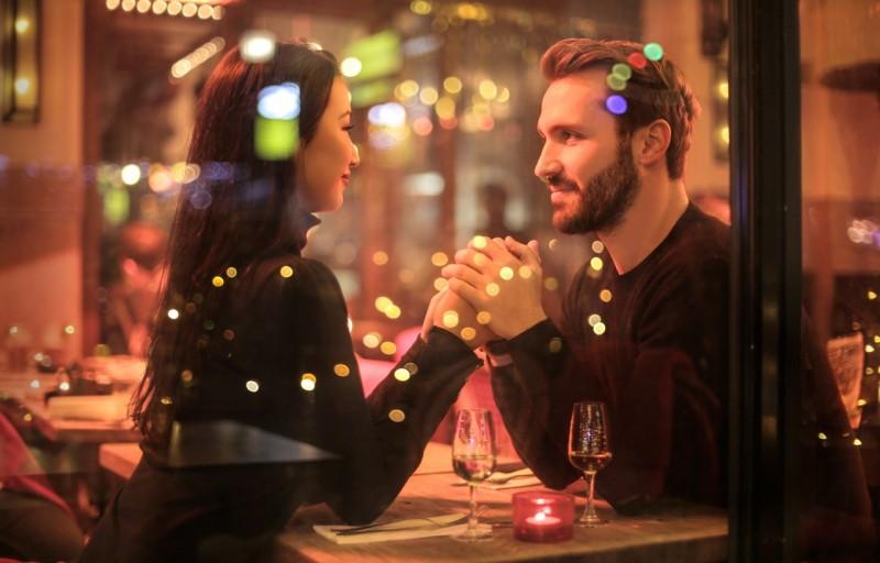 ۷ نشانه مردی که فقط قصد دوستی دارد نه ازدواج !