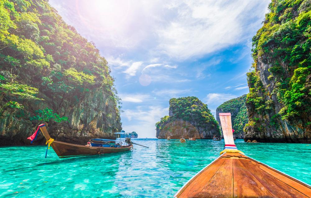 تور گرجستان و تور مالزی و بلیط ارزان هواپیما