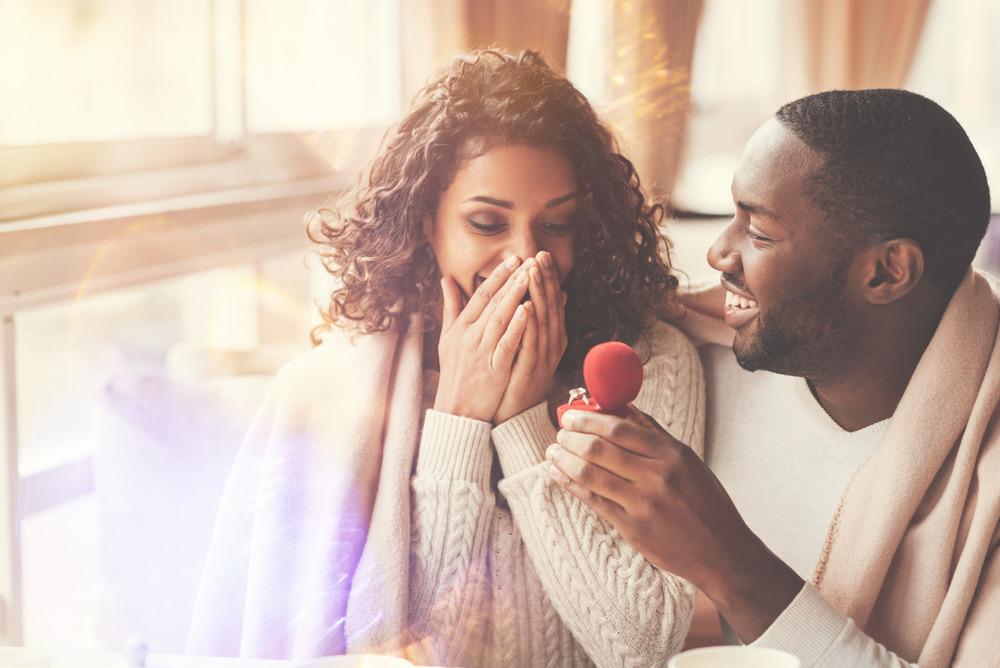 چگونه هنگام رابطه جنسی حرف های تحریک کننده بزنیم؟