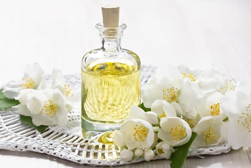 کدام عطرها بوی گل دارند؟