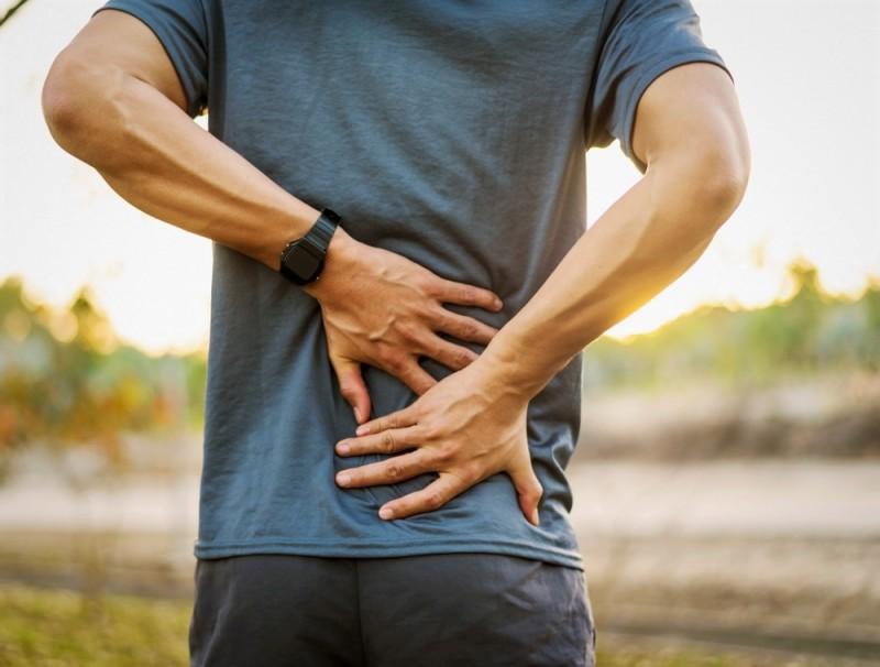 علت درد کمر چیست؟