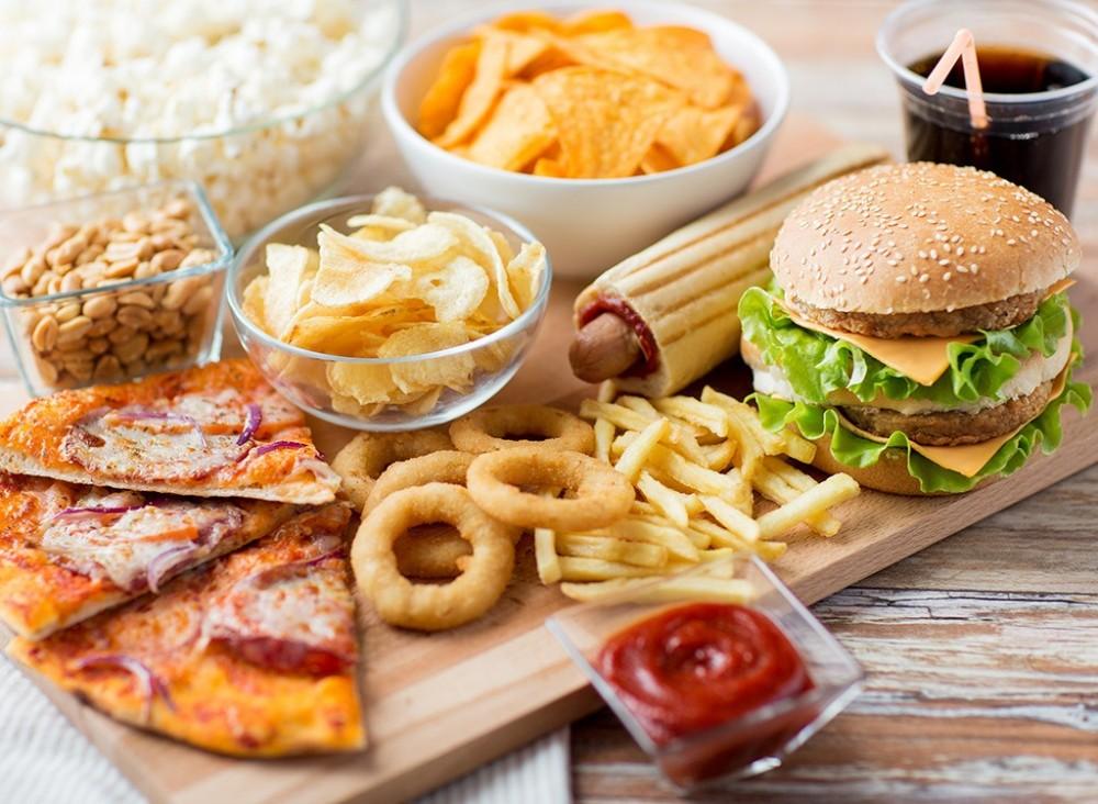 مواد غذایی که باعث چاقی شکم میشوند