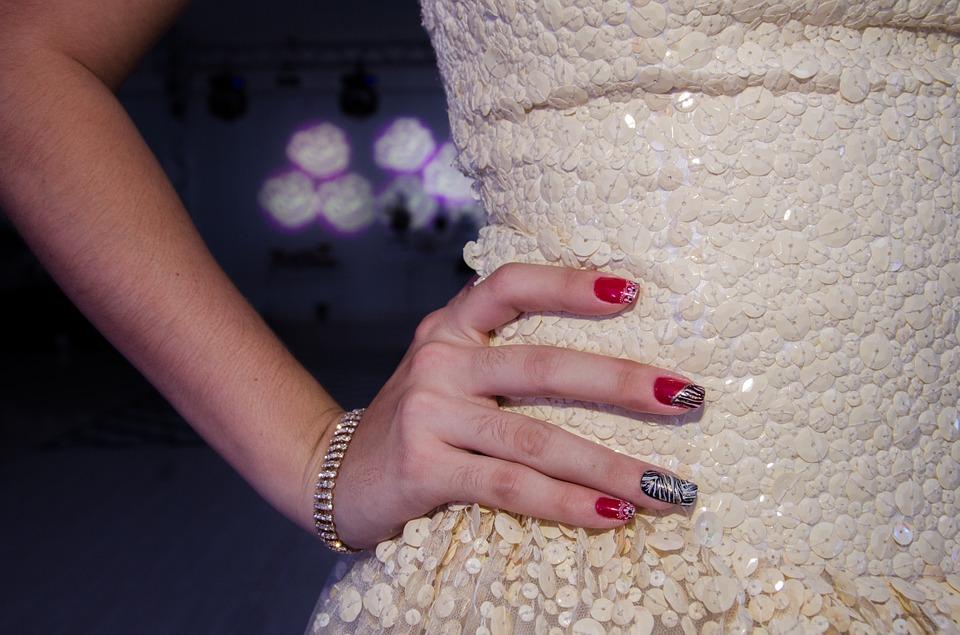 جدیدترین مدل های دیزاین ناخن و طراحی ناخن دست