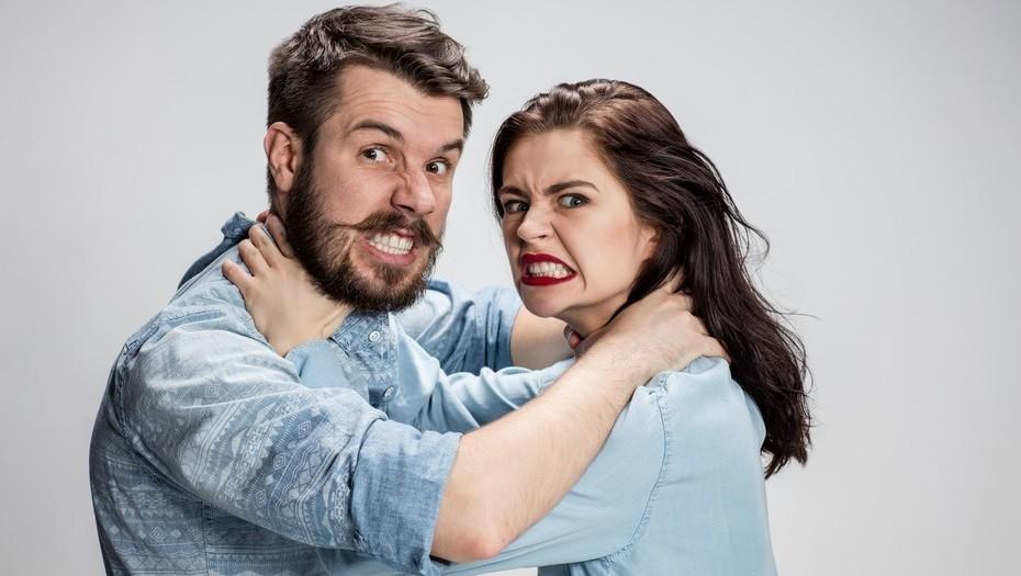 بدترین رفتارهای زنان که روی مخ مردان است!