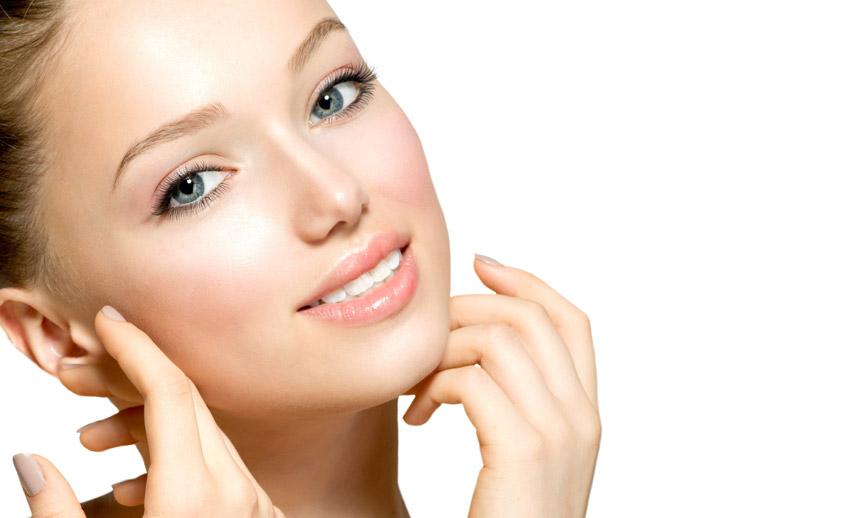 معرفی انواع خواص گلاب برای پوست و مو صورت + آموزش استفاده
