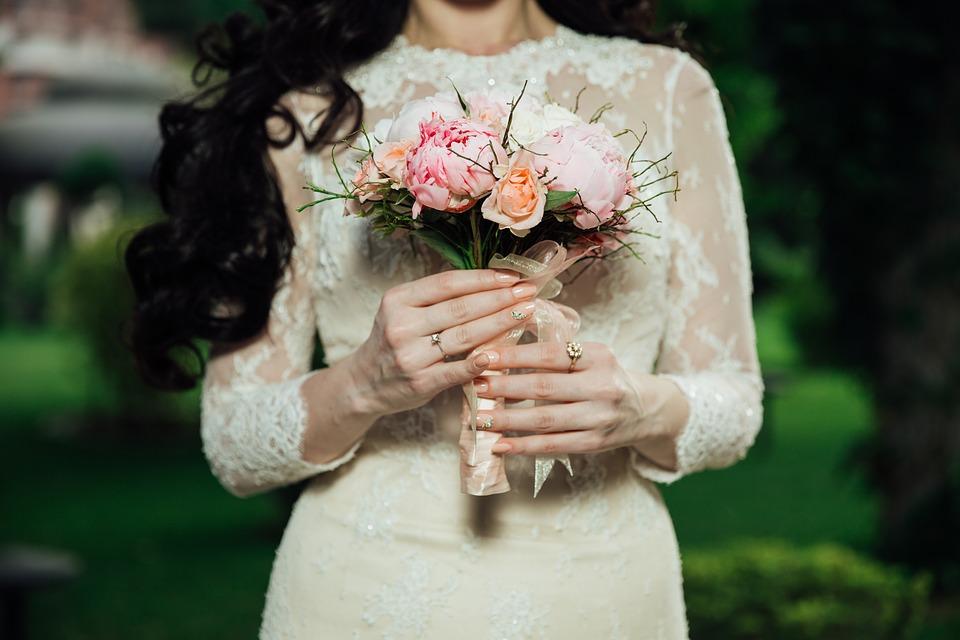 دسته گل نامزدی و عروسی شیک و خاص