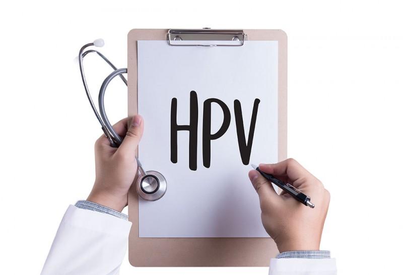 مرور کلی بر پاپیلوما ویروس ها به عنوان اصلی ترین عامل سرطان دهانه رحم