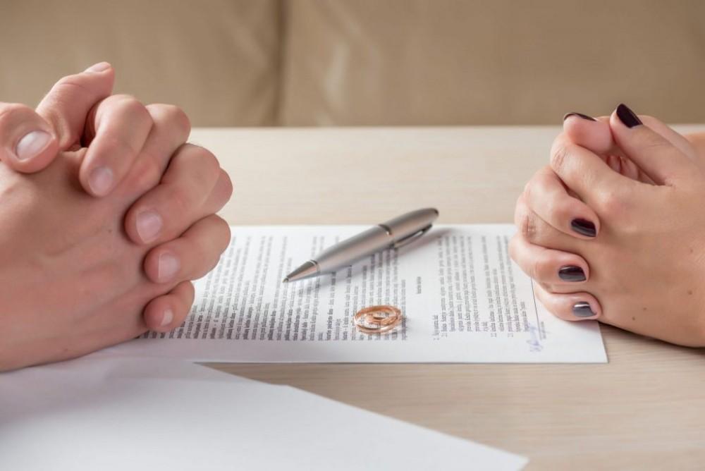 چه بیماری هایی حق طلاق میدهند | حکم پنهان کردن بیماری در ازدواج