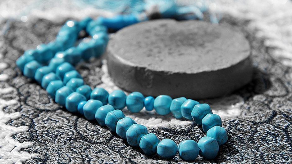 آیا مهر سیاه، نماز را باطل میکند؟