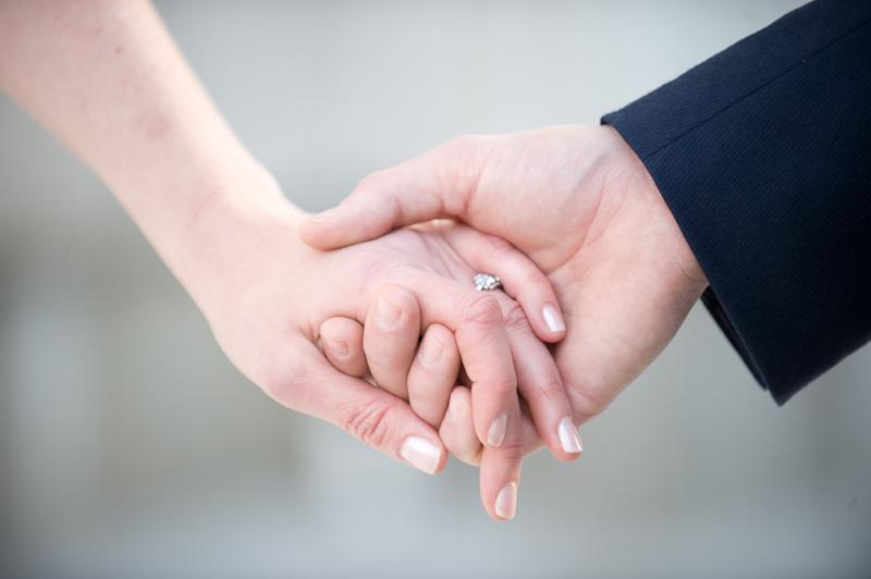 آیا زن و شوهر می توانند در مقابل یکدیگر لخت شوند؟