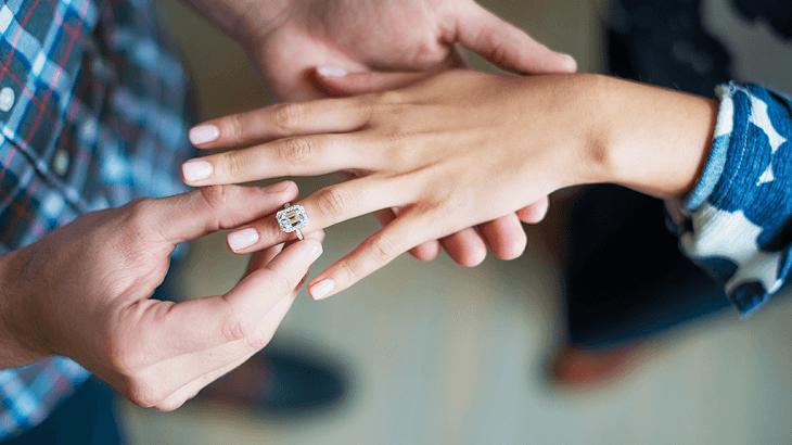 ارتباط جنسی با محارم چه حکمی دارد؟