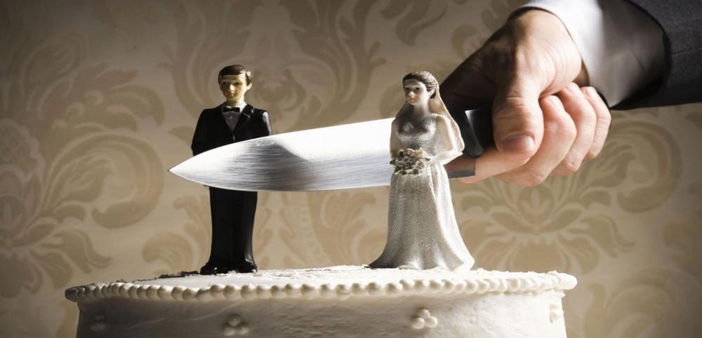 نظر فقها درباره سه طلاقه کردن همسر چیست؟