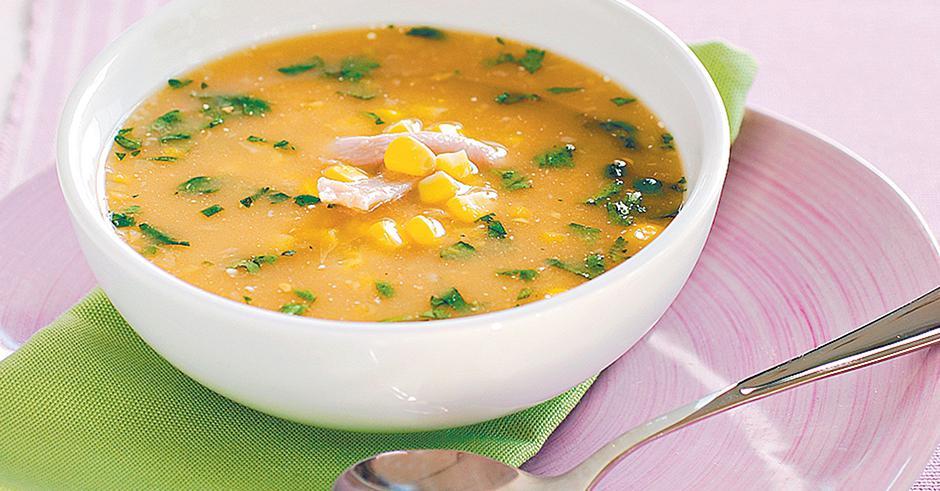 روشی ساده برای تهیه سوپ آرد ذرت و اسفناج با طعمی ناب