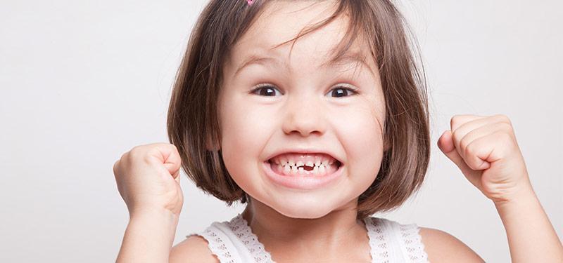 علت بی نظم درآمدن دندان دائمی
