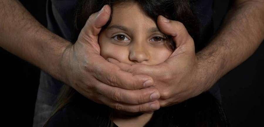 رفتار با کودک آزار دیده، چگونه باید باشد؟