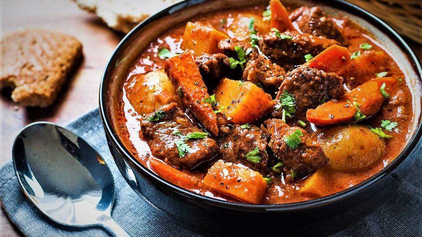 یرکوکی خوروشی (خورش هویج)  - طرز تهیه خورش هویج تبریزی خوشمزه