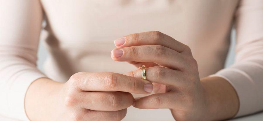 حق طلاق زن + مراحل طلاق آن در دادگاه + نحوه گرفتن