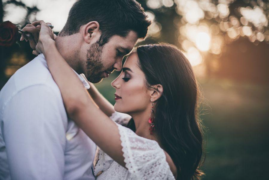 زنان چگونه می توانند مردان را جذب خود کنند؟ دلبری برای همسر