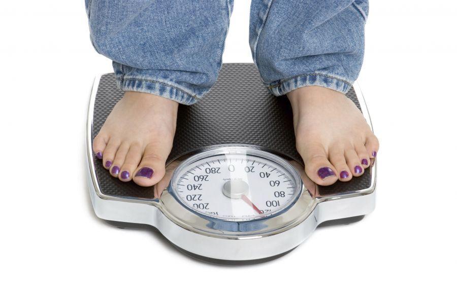 آیا چاقی ژنتیکی است؟ ژنتیک تا چه اندازه در چاقی افراد موثر است؟