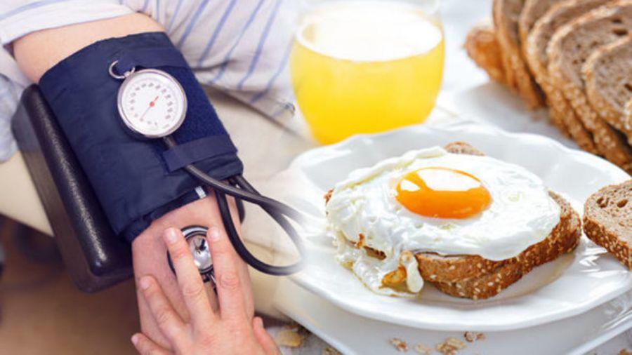 این مواد غذایی برای افراد فشار خون بالا ممنوع