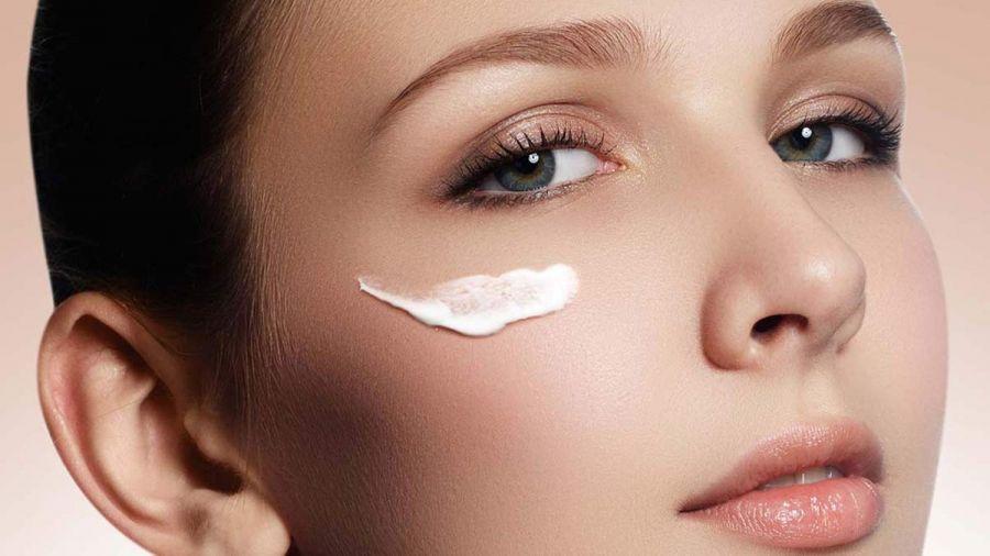 مناسب ترین کرم دور چشم هر سنی چیست؟