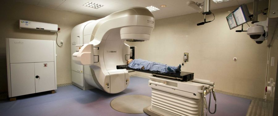 پاسخ به تمام سوالات در مورد رادیوتراپی یا پرتو درمانی