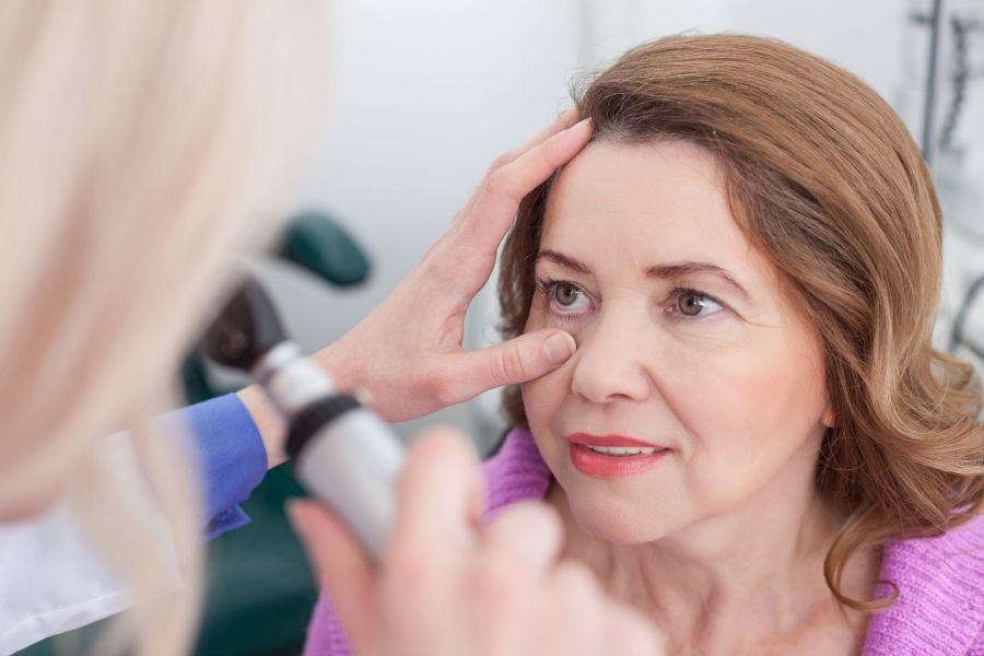 درمان بیماری تیروئید چشمی چیست؟