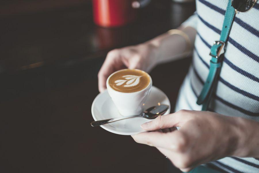مقایسه قهوه و چای ، کدامیک نوشیدنی سالمتری است؟