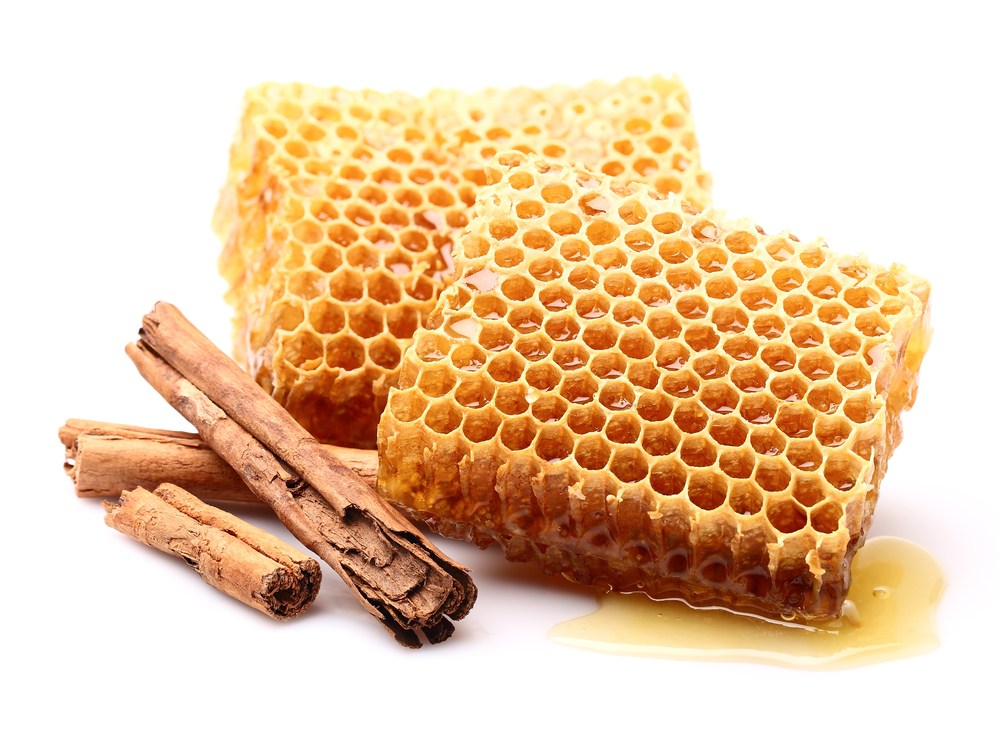 ۱۲ خاصیت شگفت انگیز عسل و دارچین