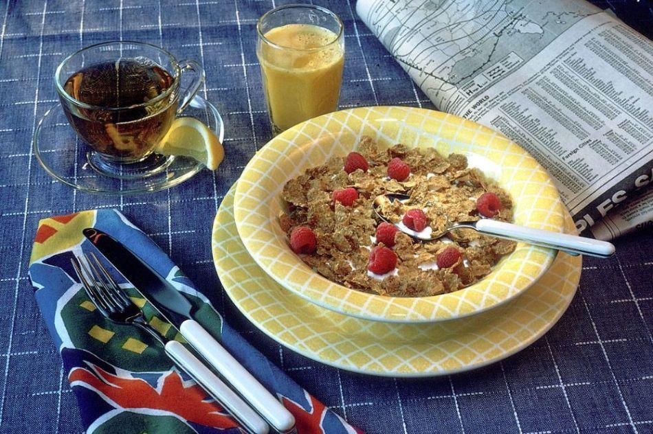 خواص شگفت انگیز خوردن غلات در صبحانه و عوارض آن