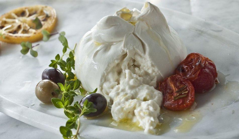 در مورد خواص پنیر بوراتا چه می دانید؟