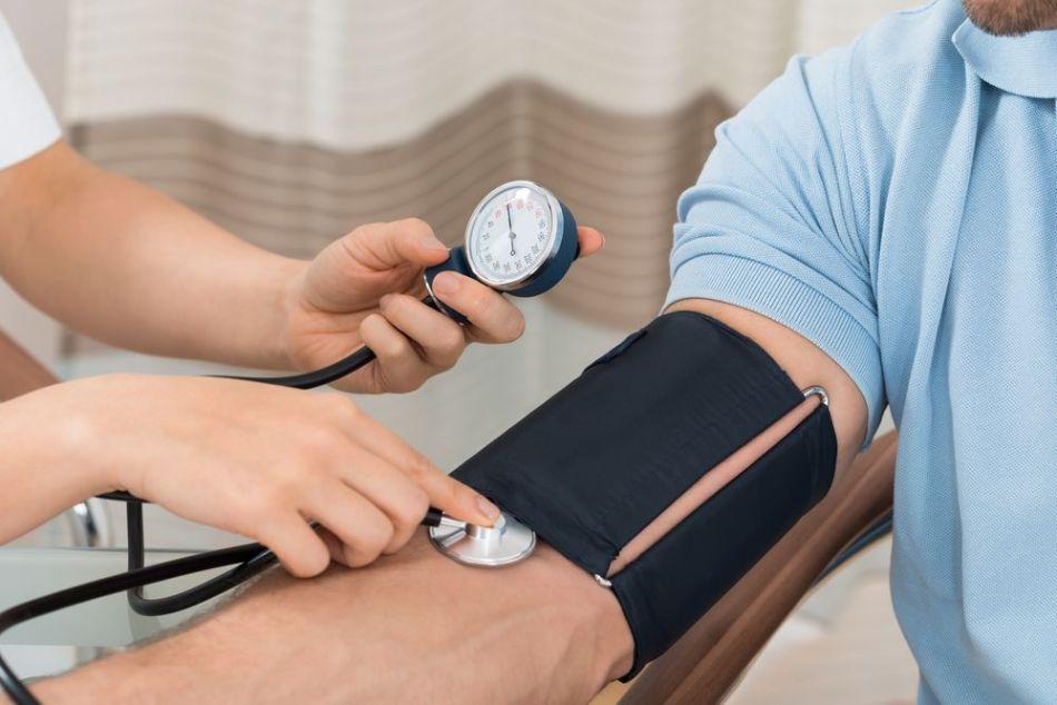 11 درمان خانگی برای فشار خون بالا