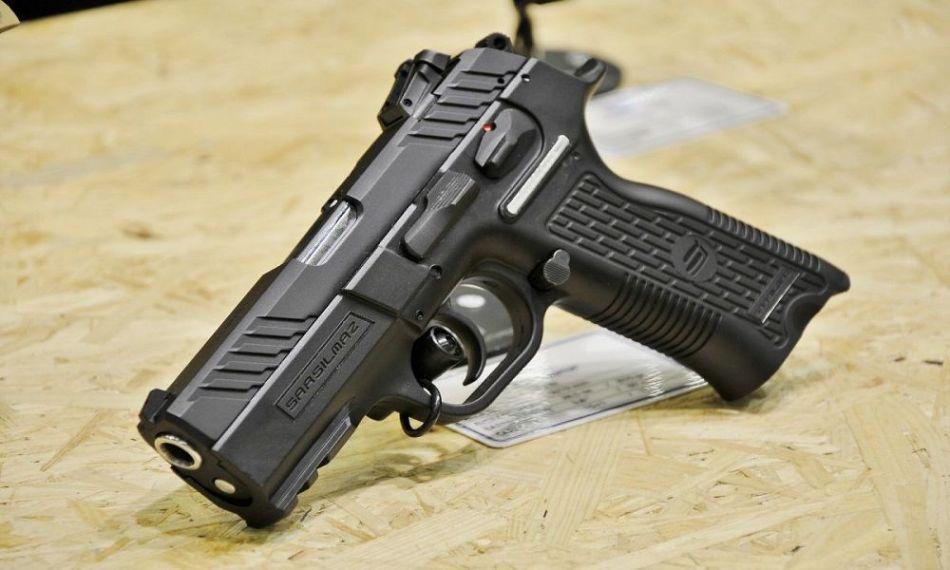 کشته شدن زن مرد جوان با اصابت گلوله در پارک لویزان