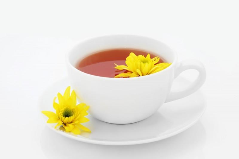 ۱۰ خاصیت جادویی دمنوش گل داوودی