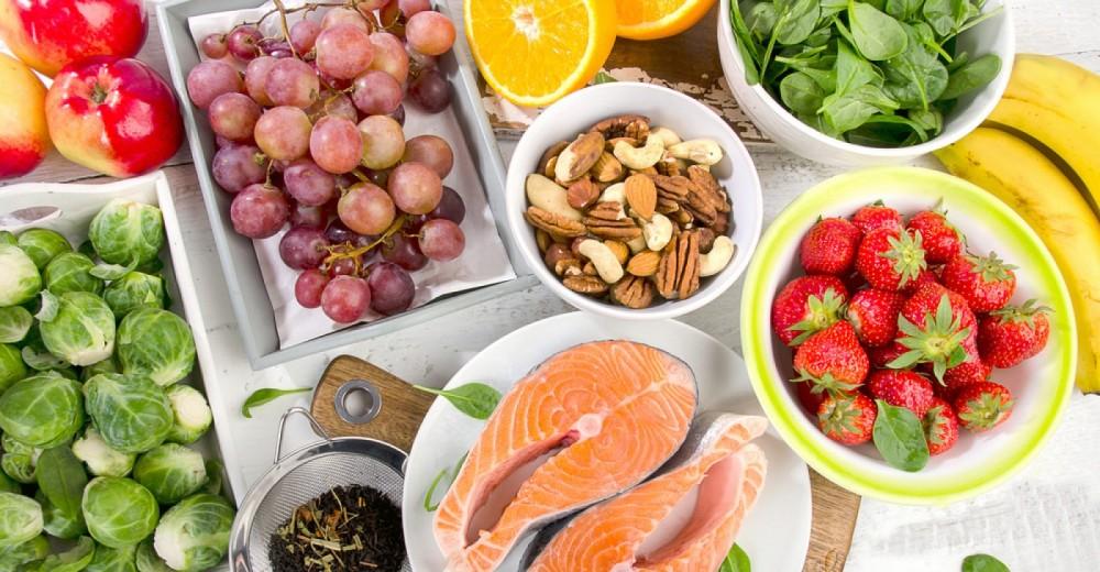 ۱۵ غذای غنی از آنتی اکسیدان برای جلوگیری از آسیب رادیکال های آزاد