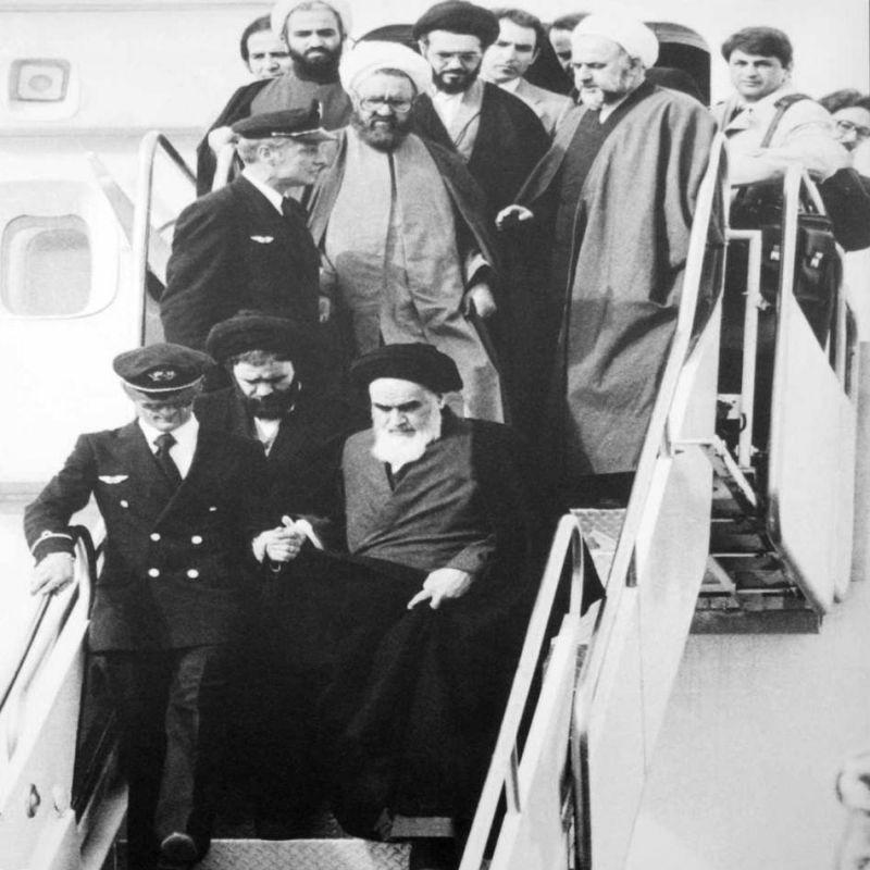 ۱۰ شعر برتر در وصف بازگشت امام خمینی به وطن از سال ۵۷ تا امروز