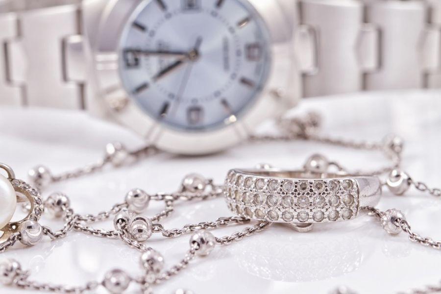لیست قیمت آویز ساعت طلا | نقره | استیل | تیتانیوم