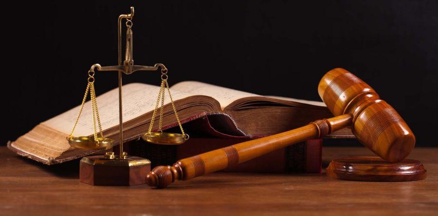 ۵۳ ضرب المثل خواندنی در مورد حق و ناحق کردن