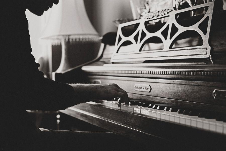 متن آهنگ بچه قرتی  محسن لرستانی (Mohsen Lorestani | Bacha Ghrti)