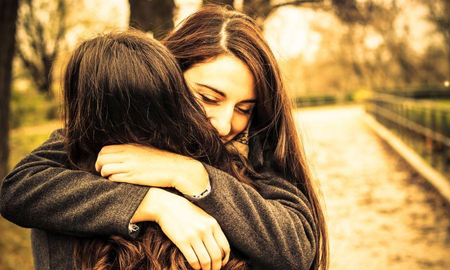 متن و جملات طلب بخشش از (همسر | پدر و مادر | دوست | خواهر و برادر)