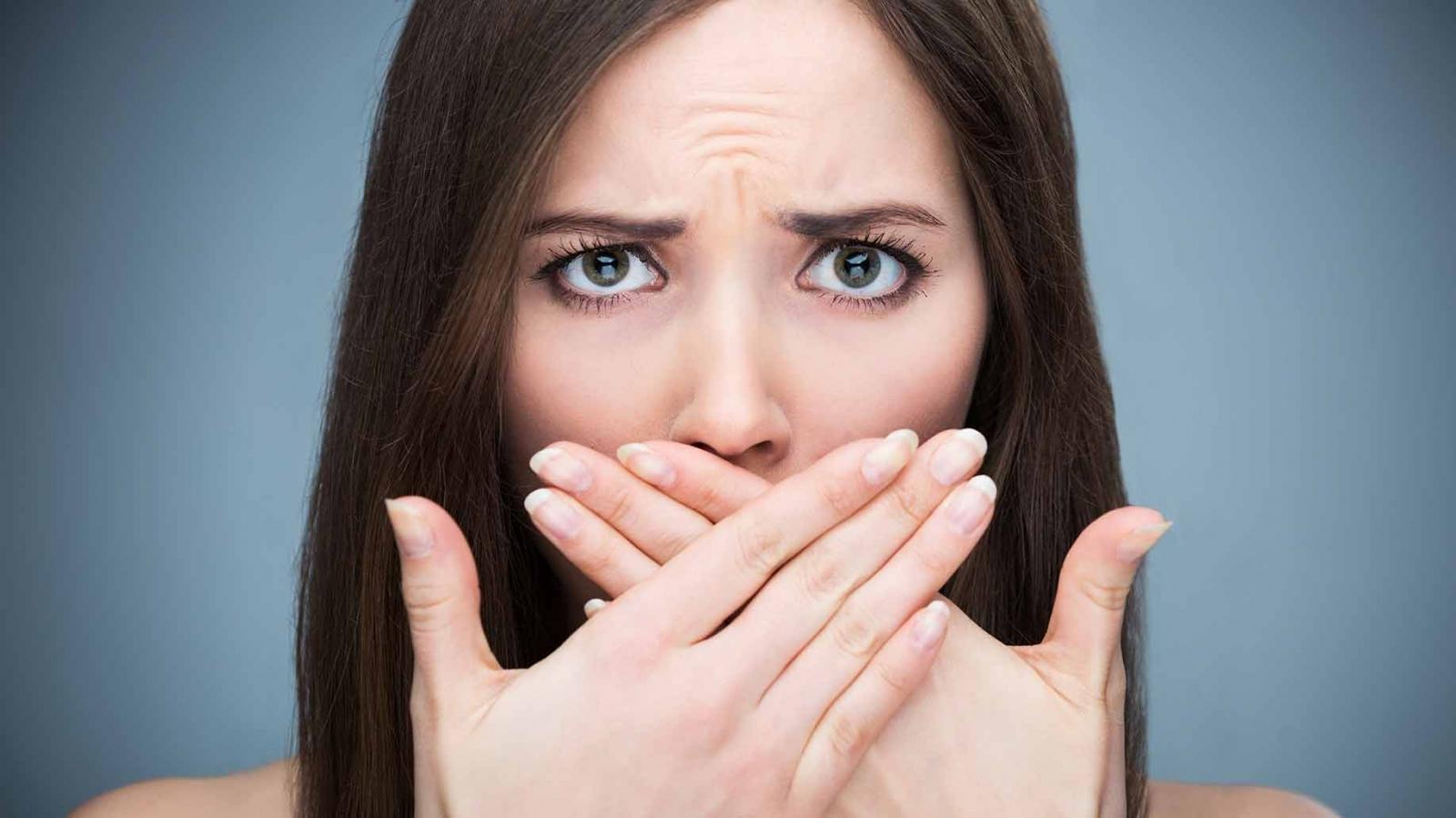 9 راهکار معجزه آسا برای رفع بوی بد دهان