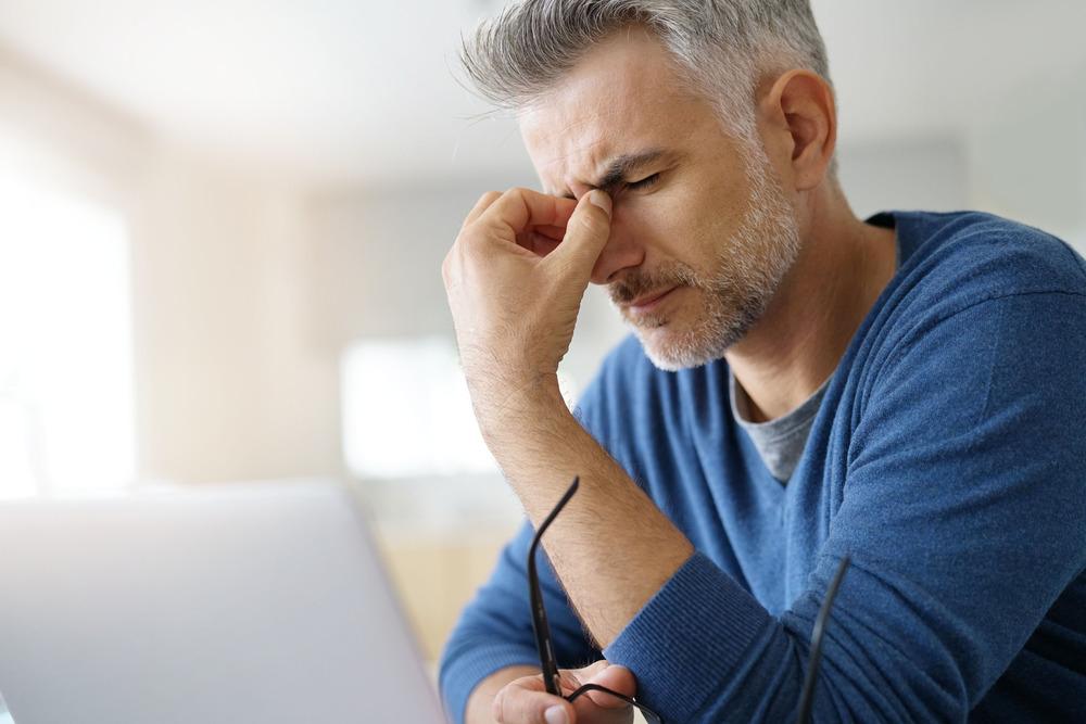 درمان سردرد در خانه: ۱۱ راهکار خانگی و فوری درمان سردرد