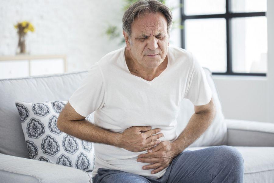 یبوست سالمندان: ۸ روش خانگی درمان یبوست در سالمندان