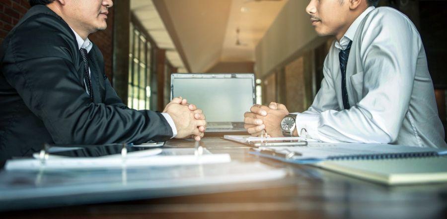 آموزش مذاکره: این ۷ مورد را نباید در مذاکرات بگویید!