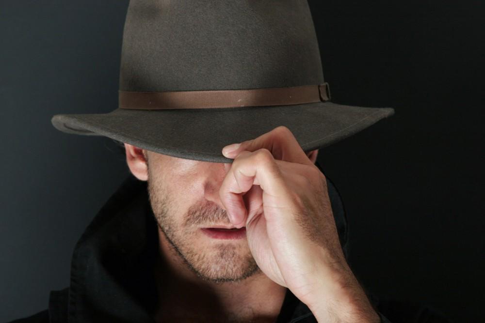 ۵ پنهان کاری مردان از همسرشان + توصیه ما به مردان