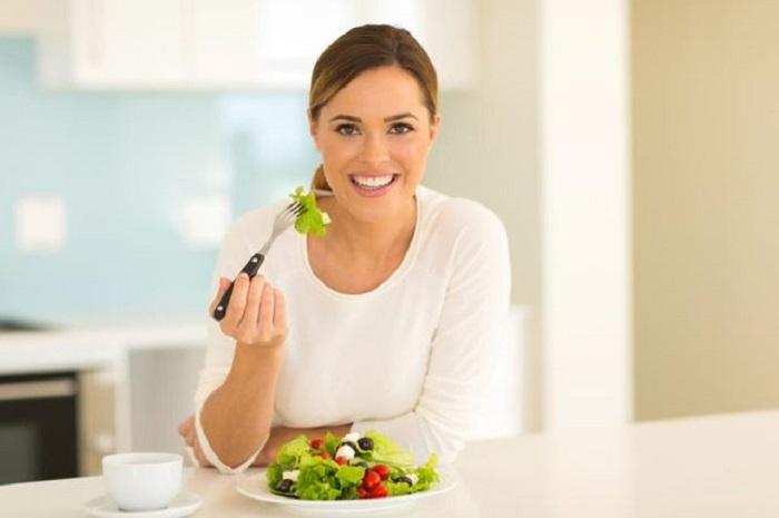 خوردن 8 خوراکی زیر بر هر خانمی واجب است!